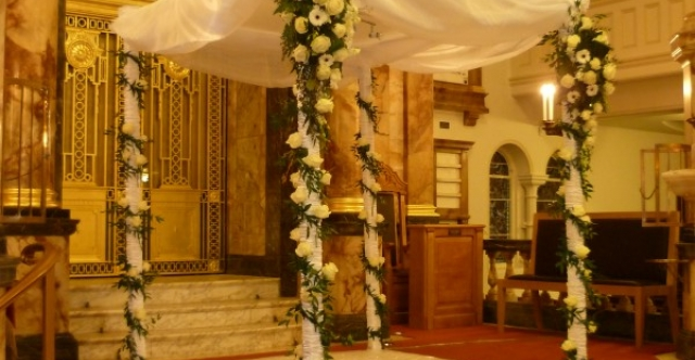 Visit http://www.hampsteadshul.org.uk/simchas/weddings.php
